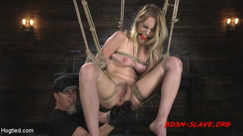 All Natural Cadence Lux Torment in Rope Bondage and Squirting Orgasms! Actress - Cadence Lux, The Pope (HogTied) [HD/2018]