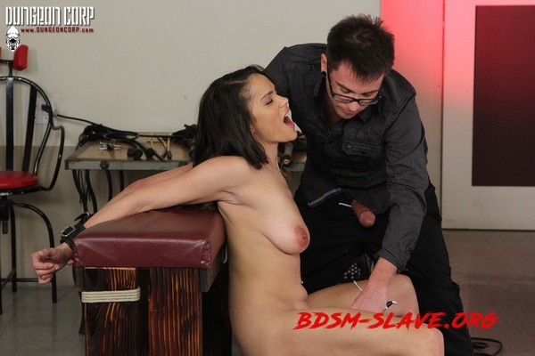 Leilani's Sexual Servitude Begins (Fantasy Damsels) [HD/2020]