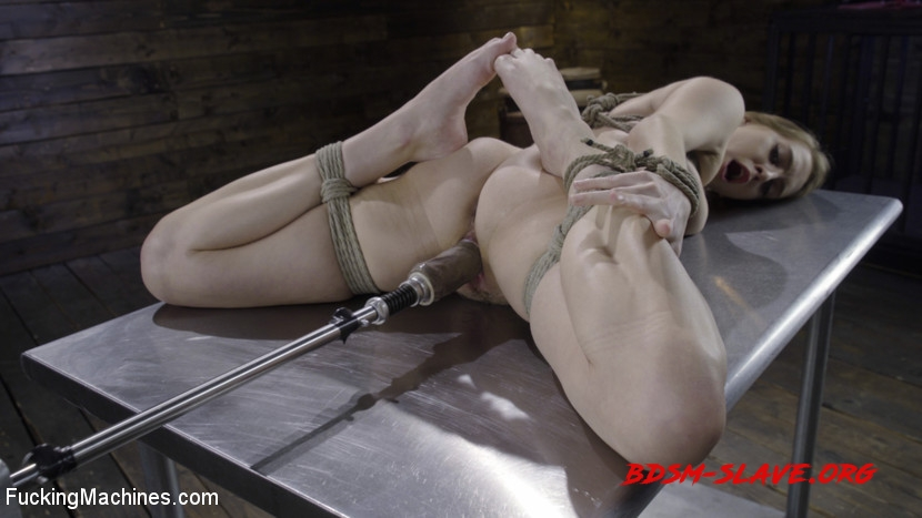 BDSM Actress - Cadence Lux (FuckingMachines) [HD/2020]